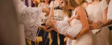 roupas para batizado mãe